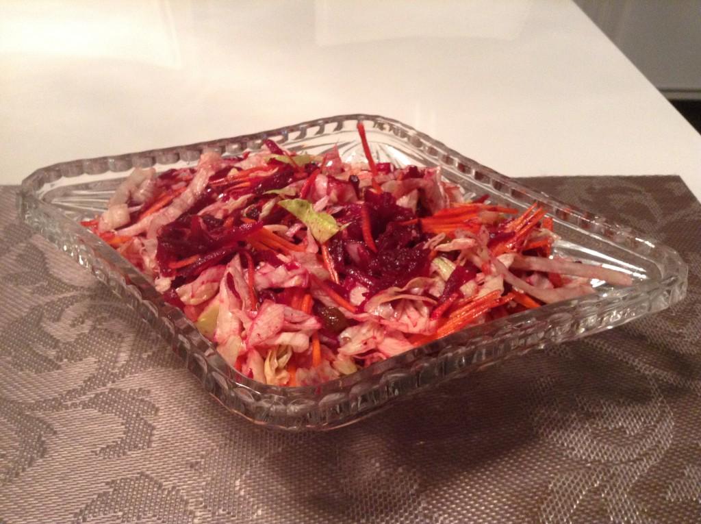 salat so svekloj