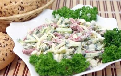 salat_bystro_s_vetcinoj