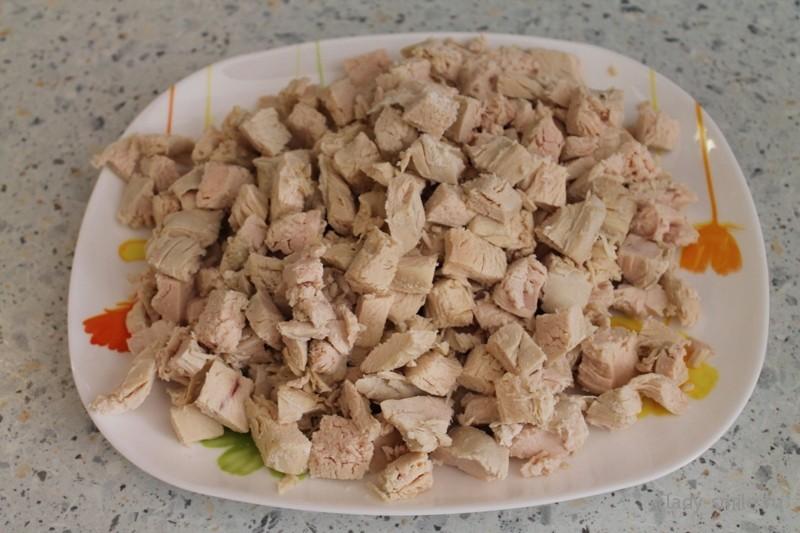 salat_s_kuricej_ananasom_2