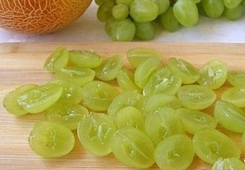 salat_s_kuricej_vynogradom_7