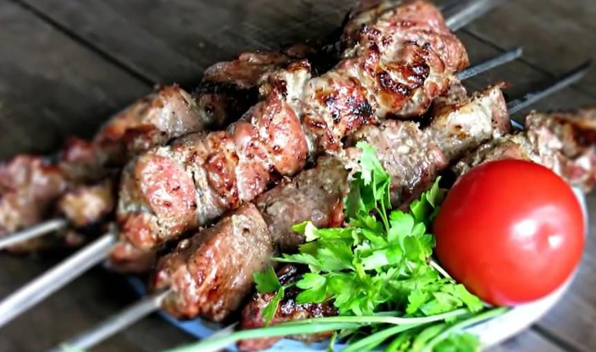 Как вкусно замариновать шашлык из свинины
