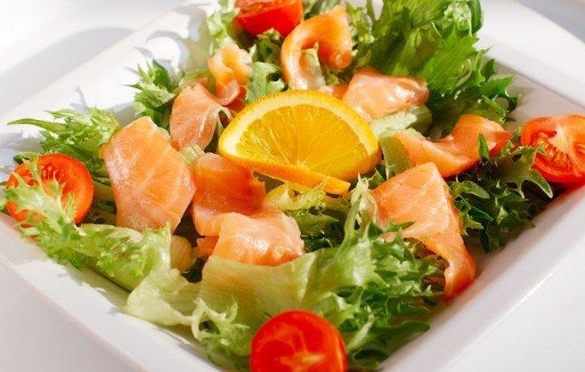 рецепт салата с семгой