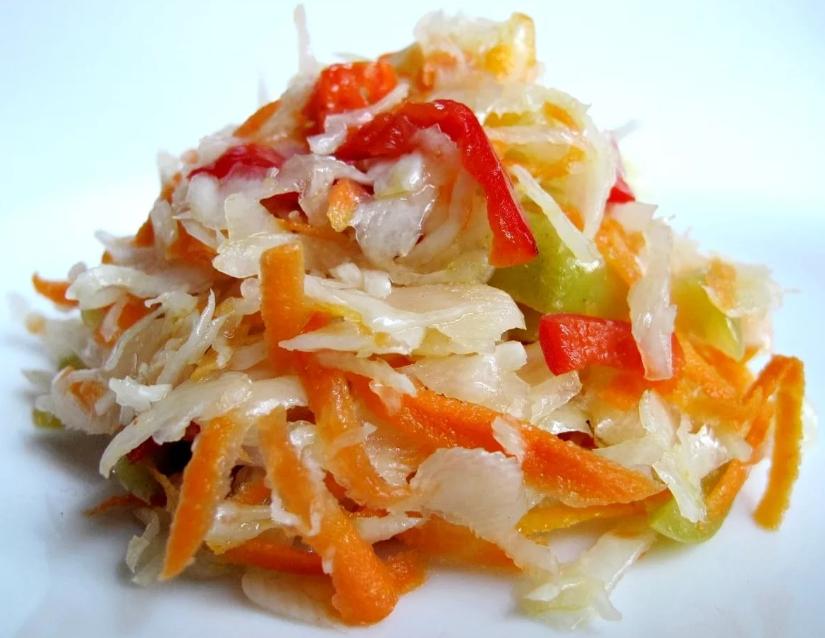 рецепты салатов на зиму в банках из капусты