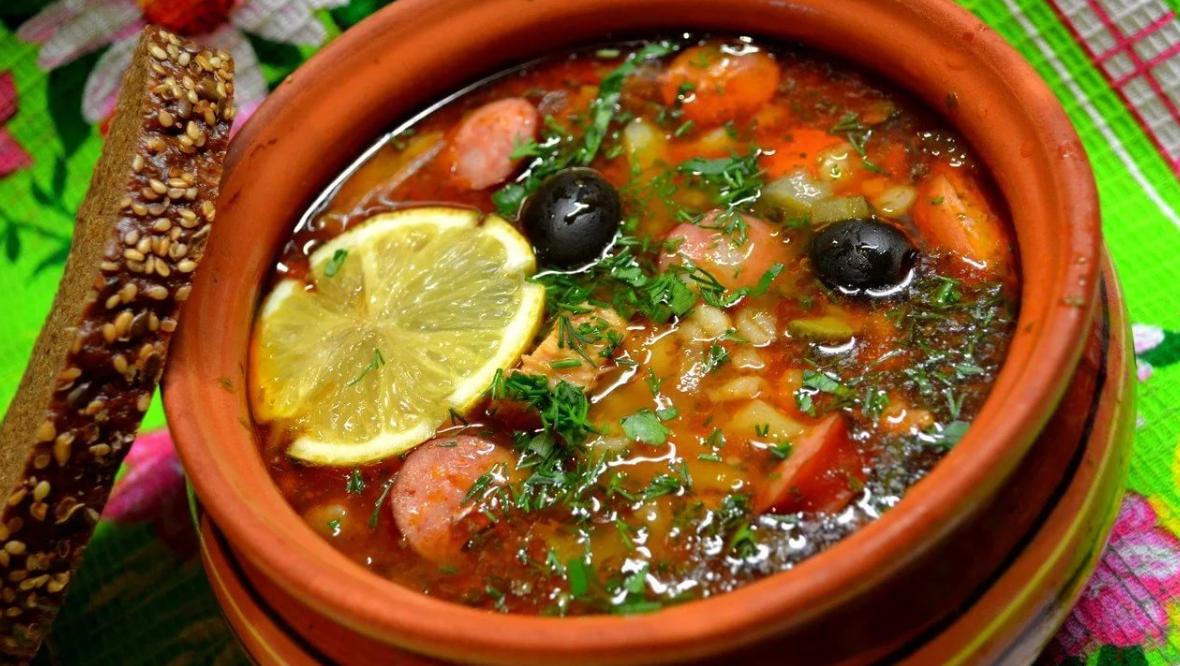 солянка рецепт классическая с картошкой и колбасой