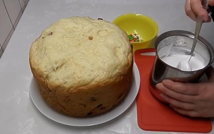 Вкусный пасхальный кулич в мультиварке — 5 простых рецептов