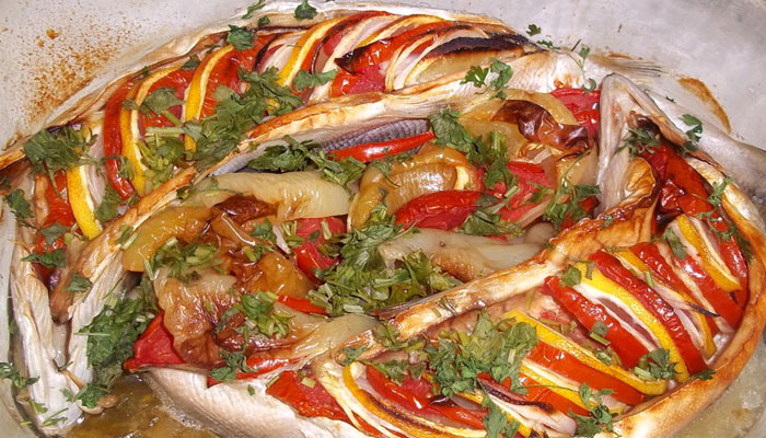 Рыба запеченная в духовке: 10 вкусных рецептов