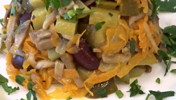 салат из фасоли и грибов