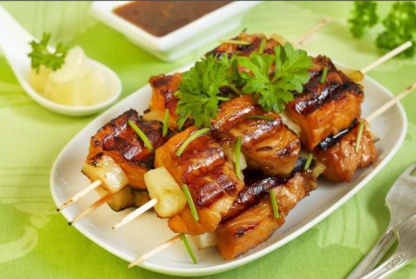 Шашлык из рыбы – готовим на мангале и в духовке сочный и очень вкусный шашлык