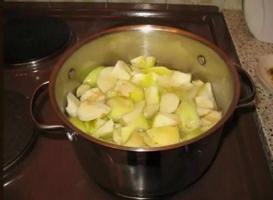 яблоки варим до мягкости