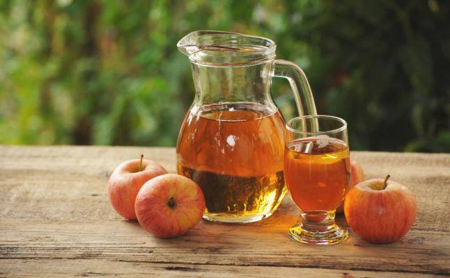 Вино из яблок в домашних условиях: простой рецепт. Как сделать вкусное полусладкое, сухое и крепленое яблочное вино из зеленых и диких яблок в домашних условиях?
