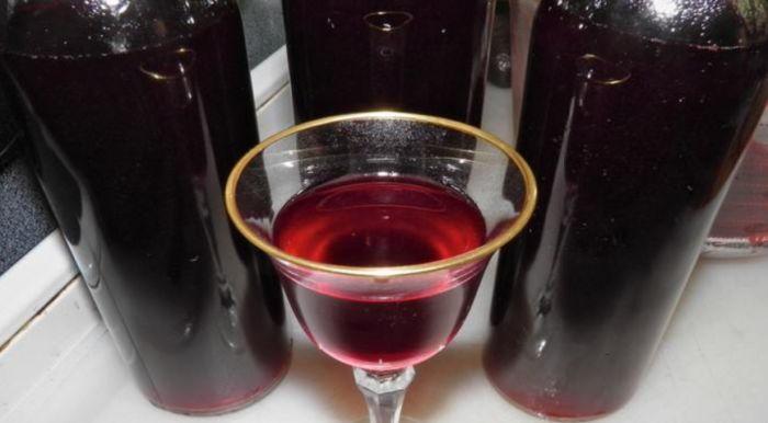 вино оставляем на 2-3 месяца