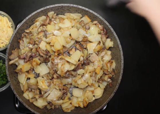 соединяем грибы с картошкой