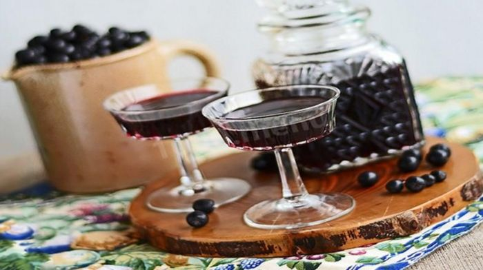 вино из черноплодки с водой