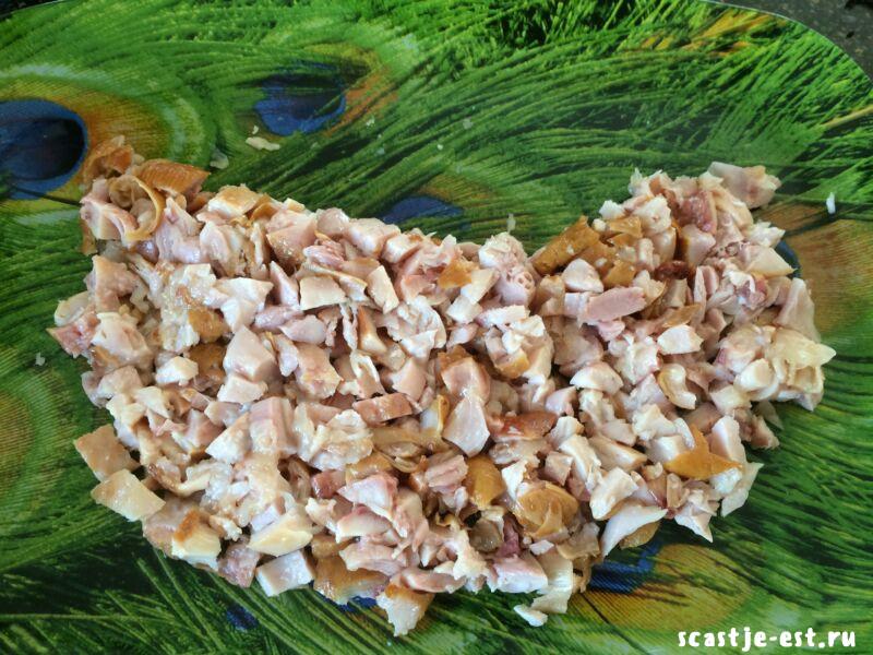 Салат; Арбузная долька; с курицей и грибами – пошаговый рецепт