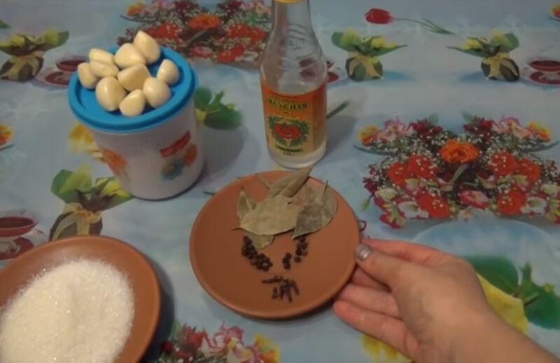 Маринованные маслята на зиму – простые и вкусные рецепты